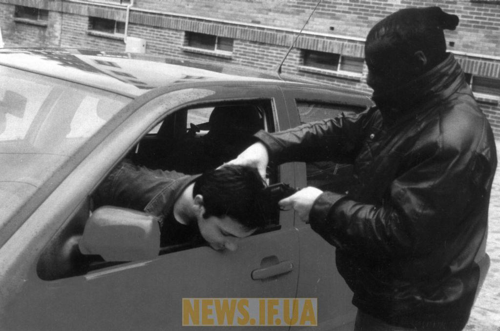 http://news.if.ua/images/news/09/11/05/big_robbery.jpg