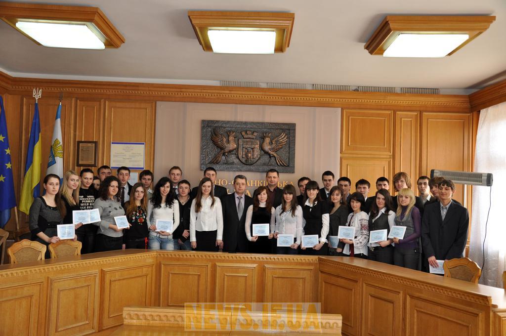 http://news.if.ua/images/news/10/03/02/big_DSC_3128.JPG