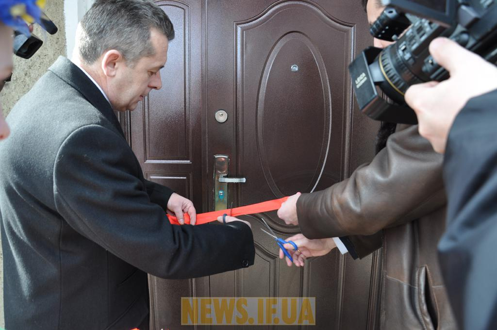 http://news.if.ua/images/news/10/03/19/big_DSC_5393.JPG