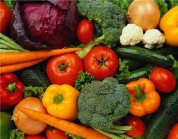 """Овощи и фрукты предают коже сияющий и  """"загорелый """" эффект."""
